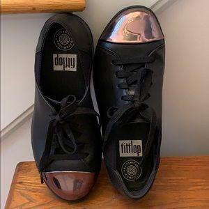 Fit flop sneaker